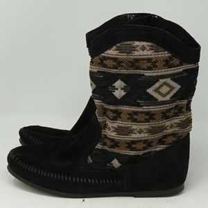 Minnetonka Boho Aztec Black Leather Boots 9